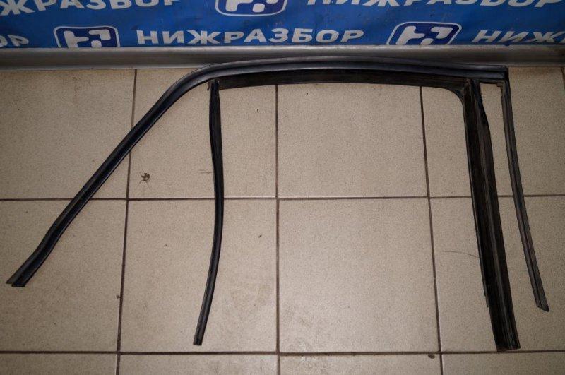 Уплотнитель стекла двери Mercedes M-Class W166 2011> (б/у)