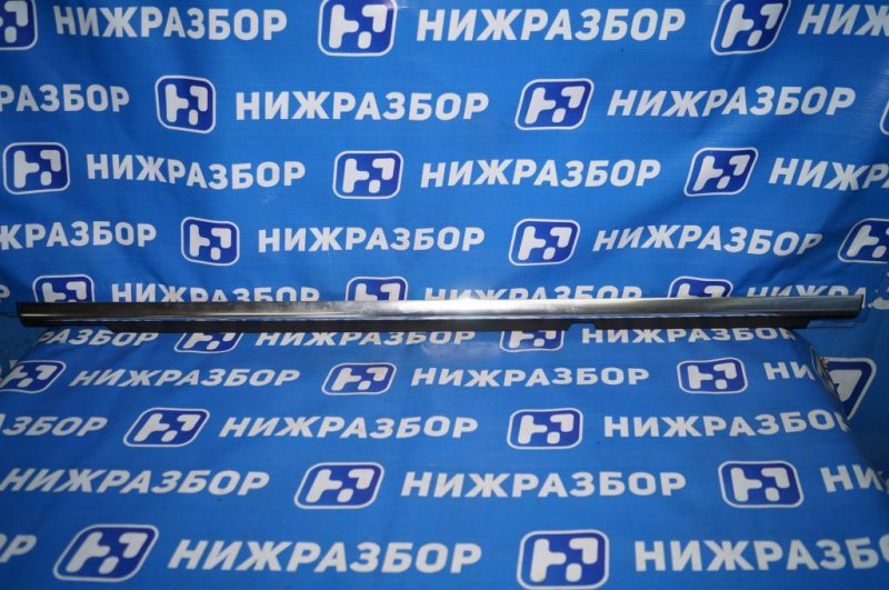 Накладка стекла Mercedes Glk-Class X156 2008 задняя правая (б/у)