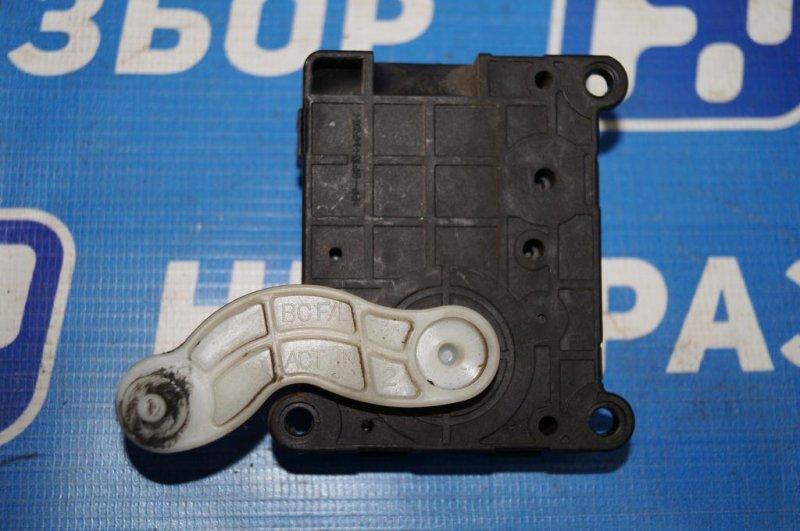 Моторчик заслонки печки Kia Rio 1 DC 1.5 (A5D) 2003 (б/у)