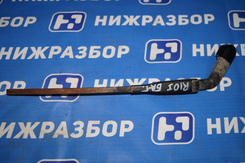Поводок стеклоочистителя Kia Rio 1 DC 1.5 (A5D) 2003 задний (б/у)