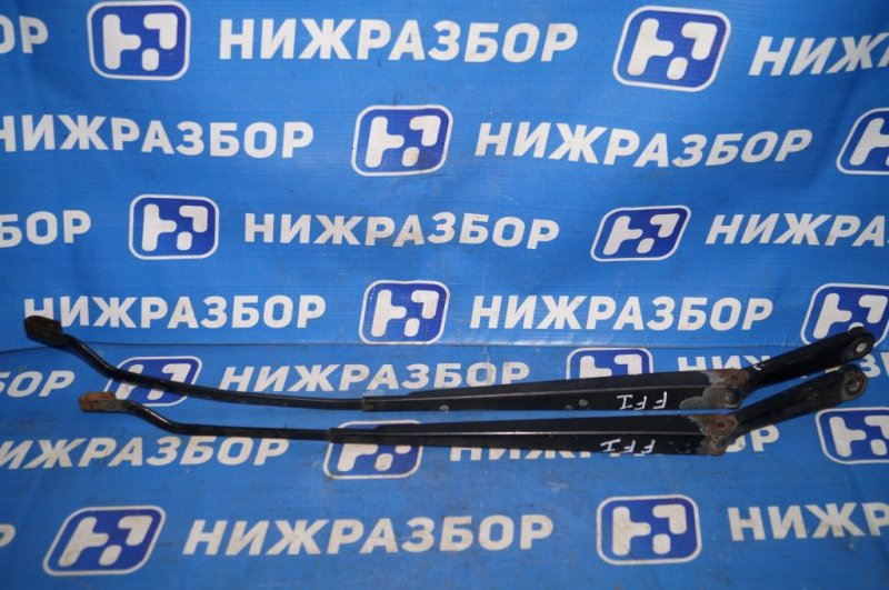 Поводок стеклоочистителя к-кт Ford Focus 1 СЕДАН 2.0L ZETEC 2002 (б/у)