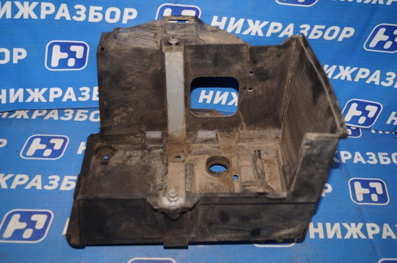 Крепление акб (корпус/подставка) Ford Focus 2 СЕДАН 1.6L (HXDB) 2006 (б/у)