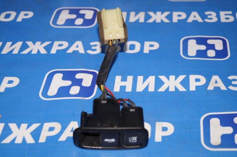 Кнопка открывания багажника Kia Magentis 1 2.0L (G4JP) 2006 (б/у)