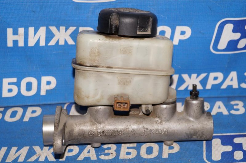 Цилиндр тормозной главный Kia Magentis 1 2.0L (G4JP) 2006 (б/у)