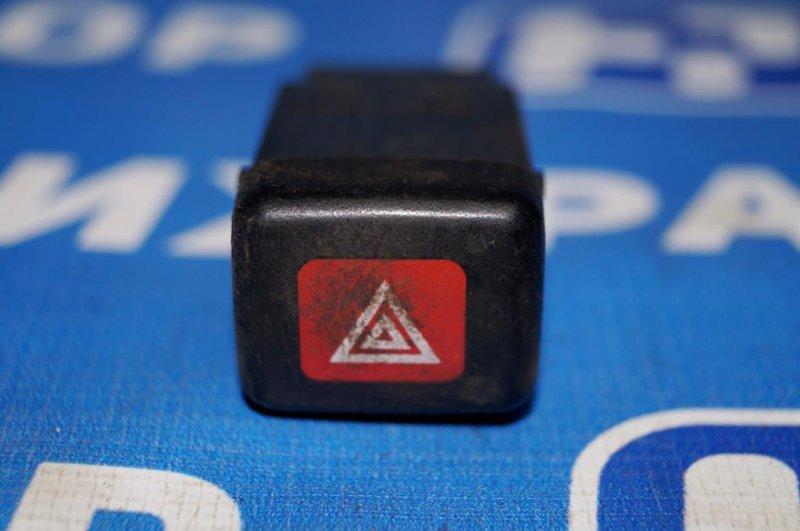 Кнопка аварийной сигнализации Mitsubishi Carisma DA 1.6 4G92 2001 (б/у)