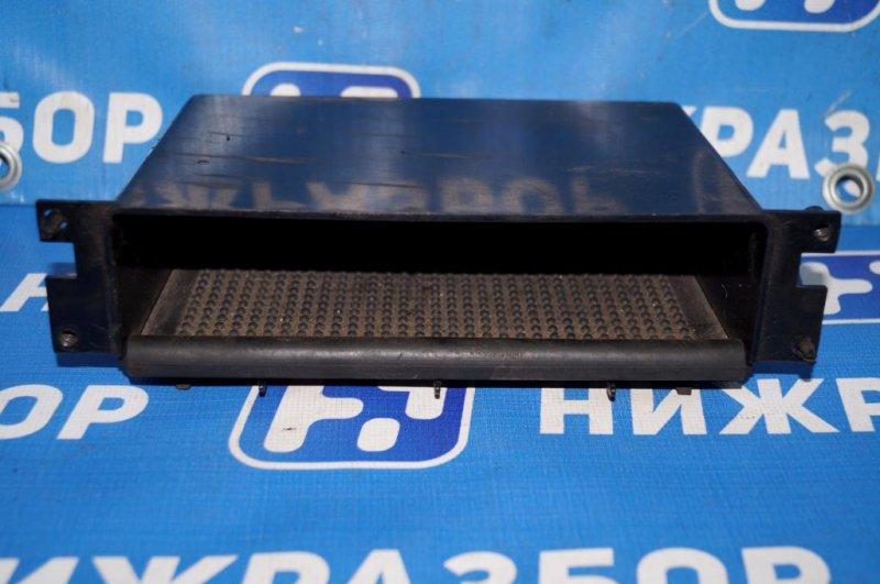 Ящик передней консоли Mitsubishi Carisma DA 1.6 4G92 2001 передний (б/у)