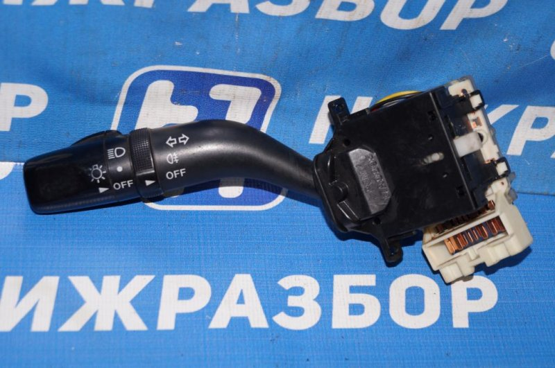 Переключатель поворотов Mazda 6 GG 2.0 LF 2004 (б/у)