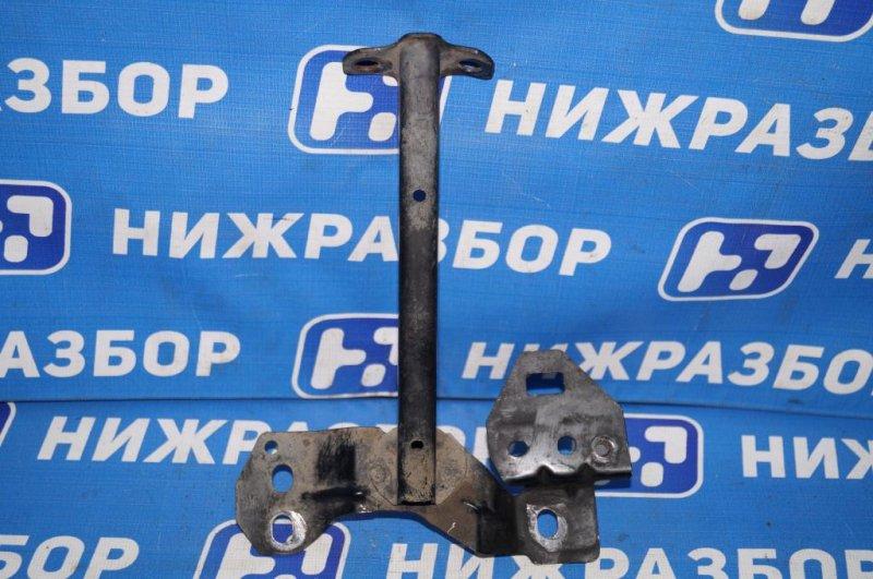 Кронштейн замка капота Mazda 6 GG 2.0 LF 2004 (б/у)
