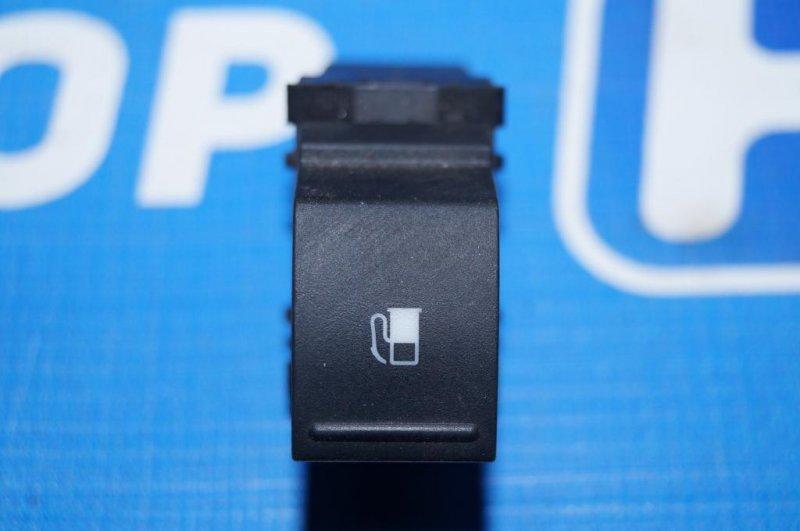 Кнопка открывания лючка бензобака Volkswagen Jetta 5 1.6 BSE 2007 (б/у)