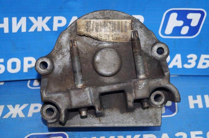 Кронштейн двигателя Ford Focus 1 СЕДАН 2.0L SPLIT PORT 2002 правый (б/у)