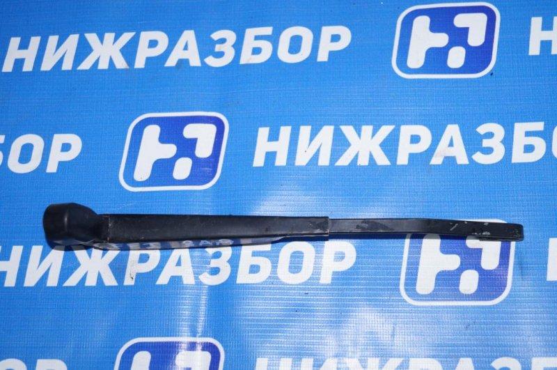 Поводок стеклоочистителя Ford Focus 1 ХЭТЧБЕК 1.8 ZETEC задний (б/у)