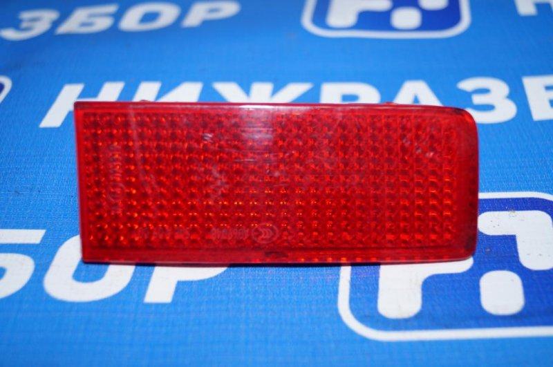 Отражатель в бампер Volkswagen Touareg Nf 2010 задний правый (б/у)