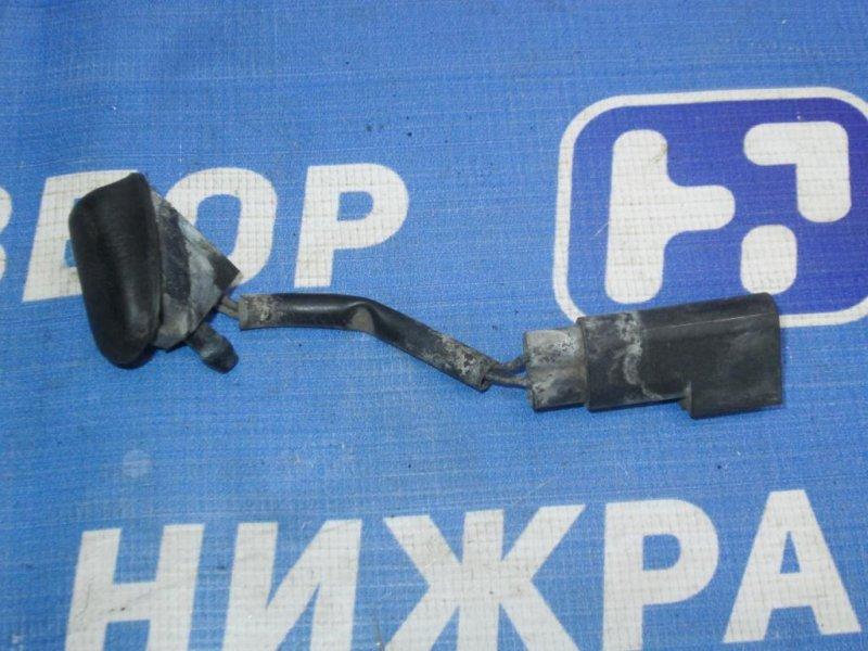 Форсунка омывателя лобового стекла Ford Focus 2 СЕДАН 1.8 (QQDB) 2007 (б/у)