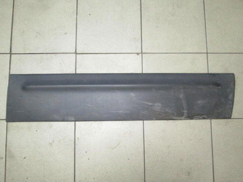 Накладка двери Ford Maverick КРОССОВЕР 2.0 (YF) ZETEC 2003 передняя правая (б/у)