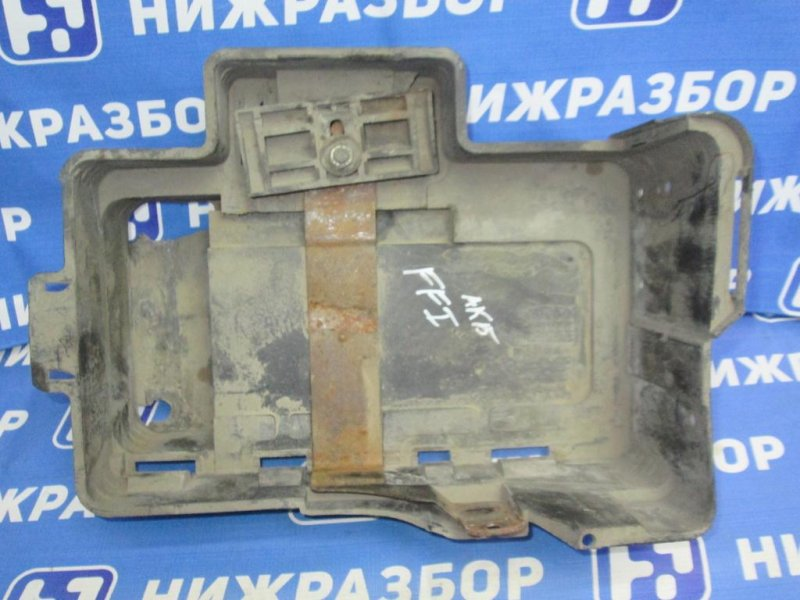 Крепление акб (корпус/подставка) Ford Focus 1 СЕДАН 1.6 (CDDA) DURATEC ROCAM 2004 (б/у)