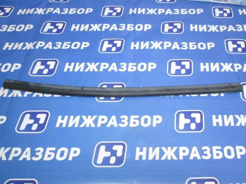 Уплотнитель (наружный) Mercedes M-Class W166 2011> (б/у)