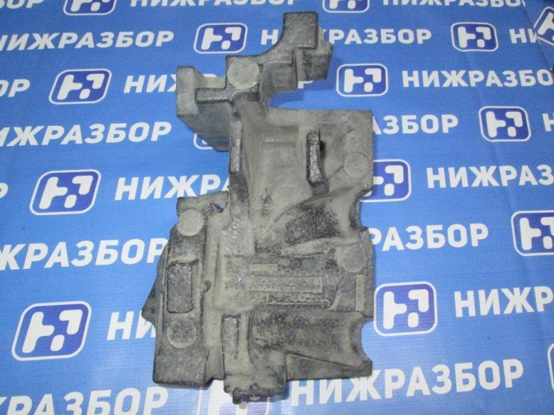 Воздуховод радиатора Mercedes M-Class W166 2011> правый (б/у)