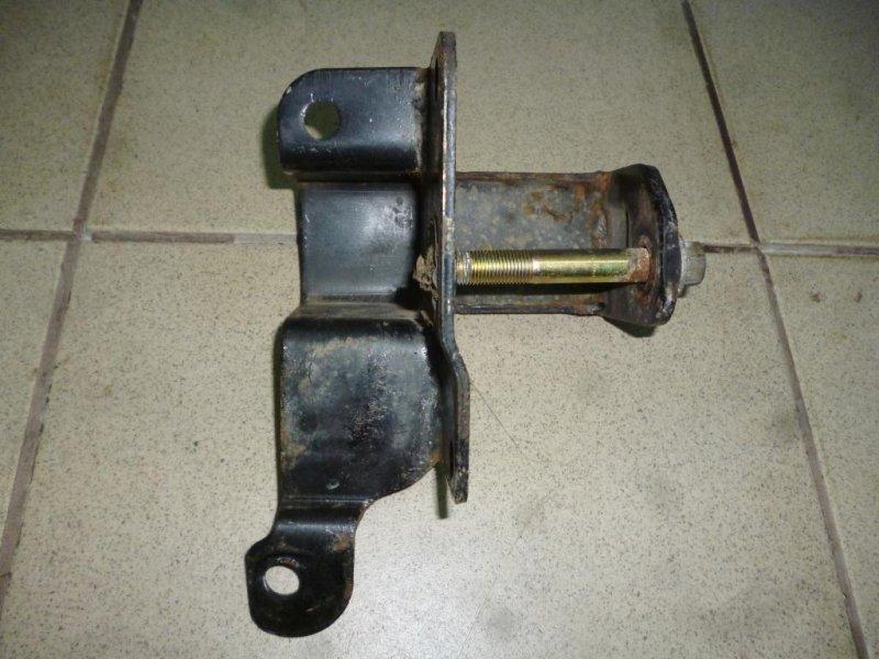 Кронштейн опоры двигателя Lifan Solano 620 1.6 (LF481Q3) 2013 (б/у)