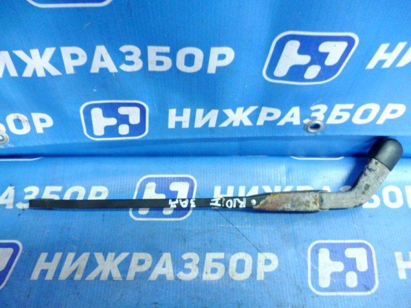 Поводок стеклоочистителя Kia Rio 1 DC 1.5 (A5D) 2004 задний (б/у)