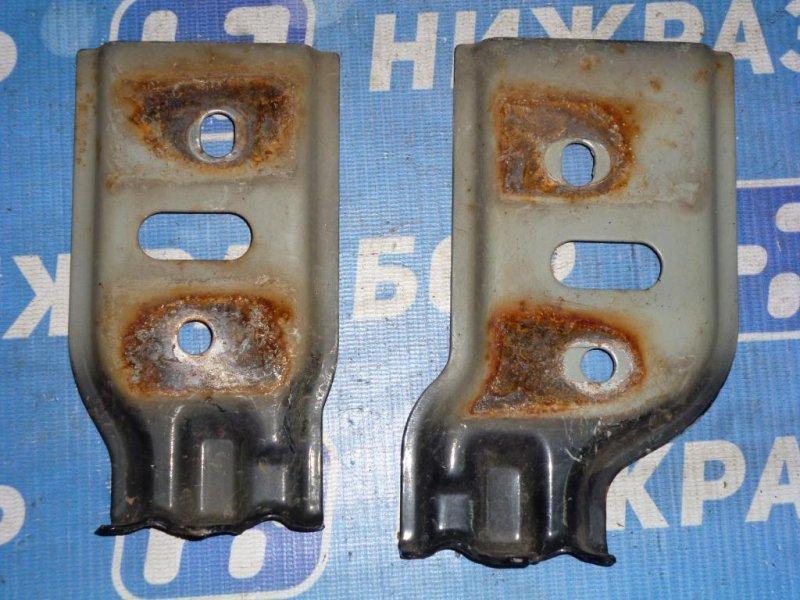 Кронштейн усилителя бампера Lifan Solano 620 1.6 (LF481Q1) 2011 передний (б/у)