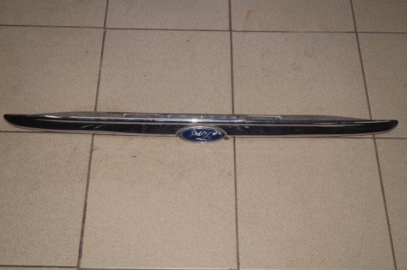 Накладка крышки багажника Ford Focus 1 1.8 ZETEC (EYDK) 2004 (б/у)