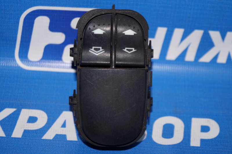 Блок управления стеклоподъемниками Ford Focus 1 1.8 ZETEC (EYDK) 2004 (б/у)