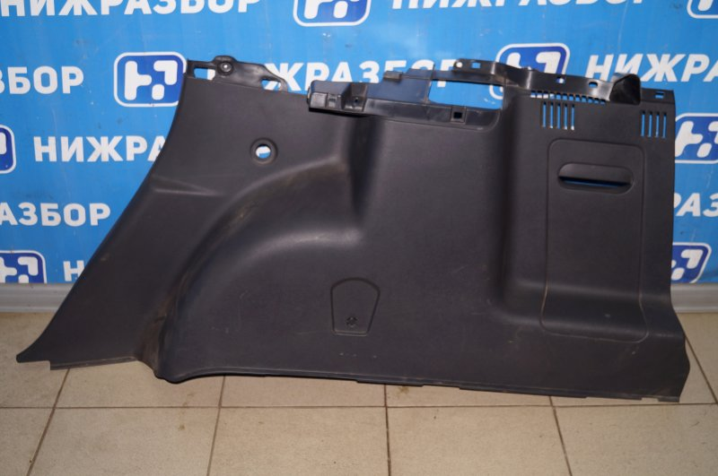 Обшивка багажника Renault Duster 2.0 F4RB403 2012 правая (б/у)