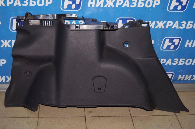 Обшивка багажника Renault Duster 2.0 F4RB403 2012 левая (б/у)