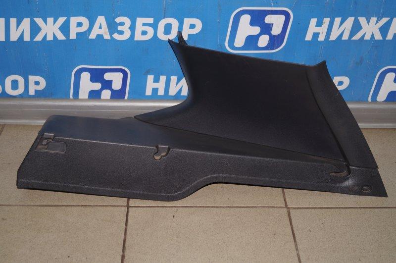 Обшивка багажника Renault Duster 2.0 F4RB403 2012 правая верхняя (б/у)