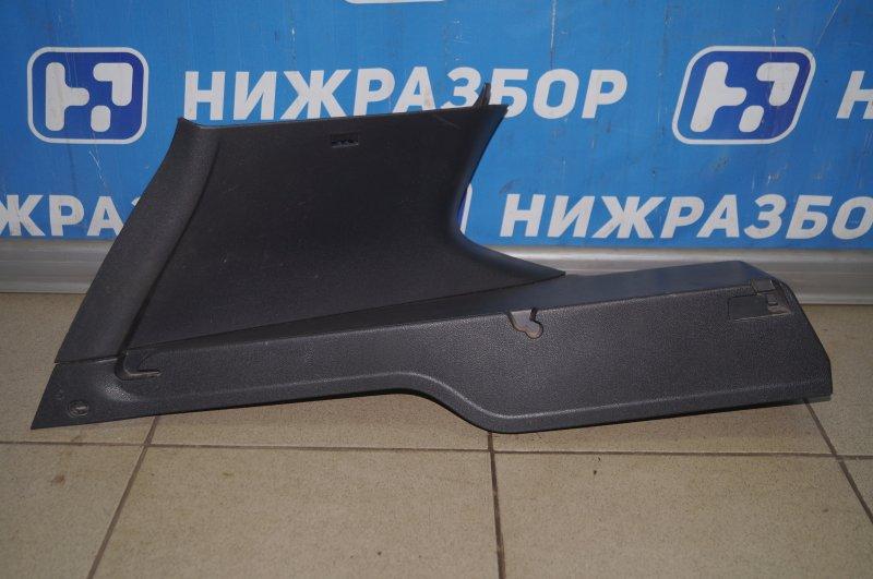 Обшивка багажника Renault Duster 2.0 F4RB403 2012 левая верхняя (б/у)