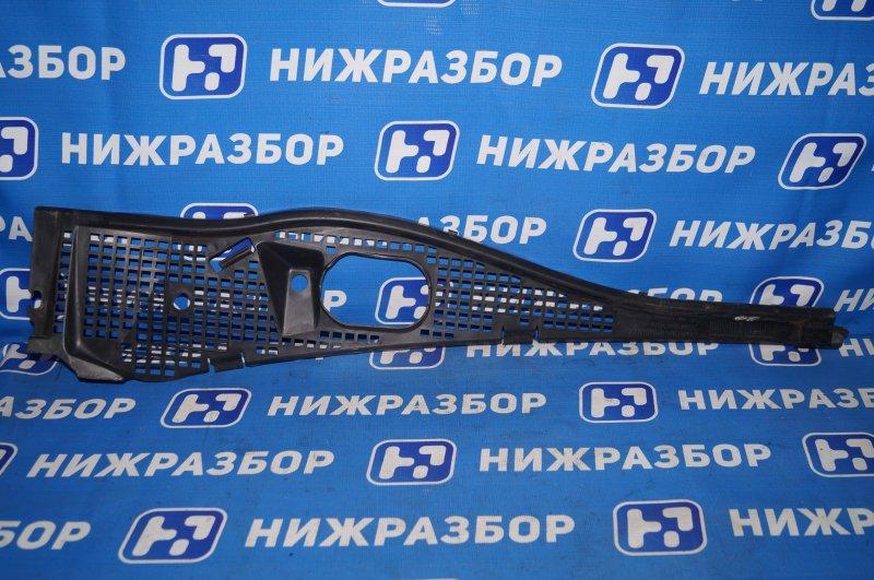 Жабо Renault Duster 2.0 F4RB403 2012 правое (б/у)