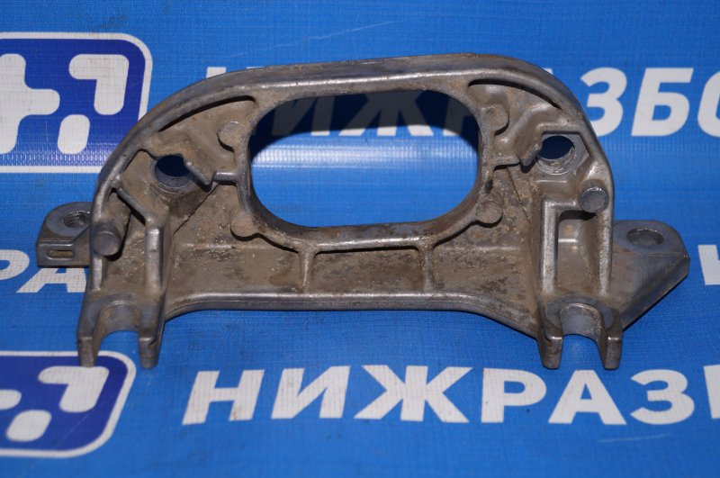 Кронштейн опоры кпп Renault Duster 2.0 F4RB403 2012 (б/у)