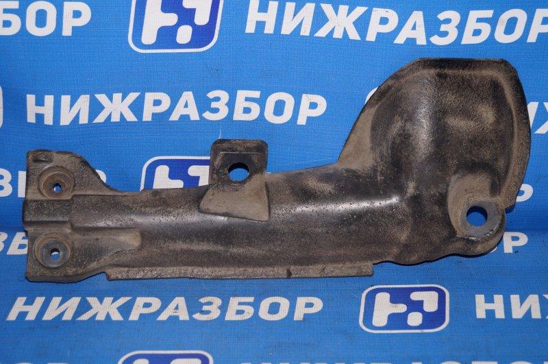 Пыльник (кузов наружные) Renault Duster 2.0 F4RB403 2012 задний правый (б/у)