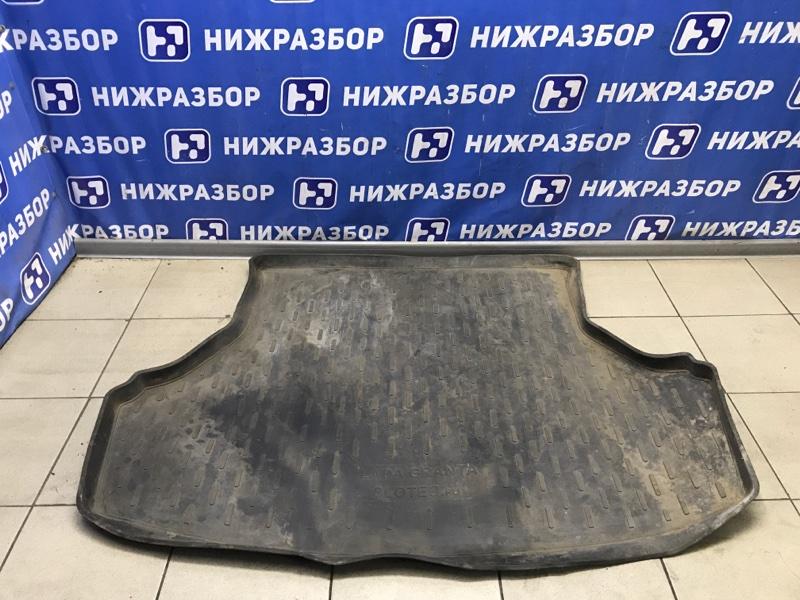 Коврик багажника Lada Granta 2011> задний (б/у)
