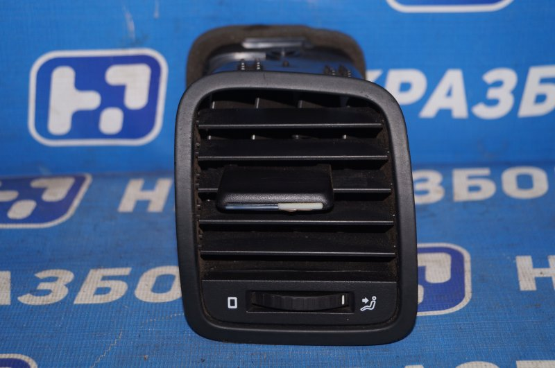Дефлектор воздушный Skoda Yeti 1.2T CBZB 2011 правый (б/у)