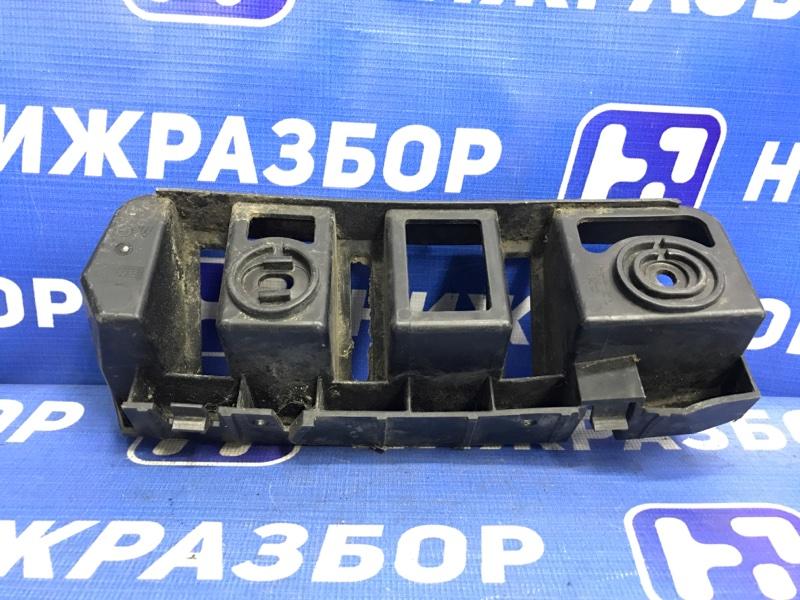 Направляющая бампера Skoda Rapid задняя правая (б/у)