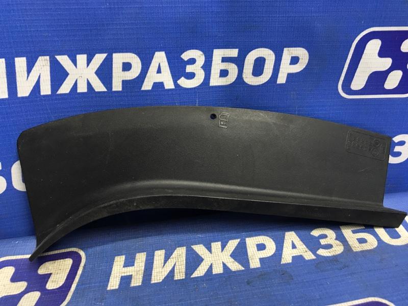 Накладка Skoda Rapid задняя правая (б/у)