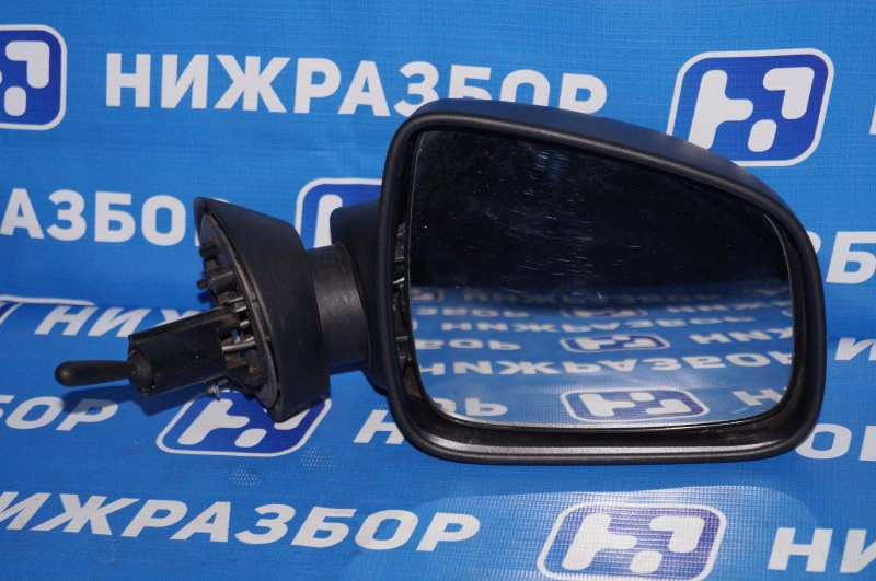 Зеркало механическое Renault Duster 2.0 F4RA400 2013 правое (б/у)