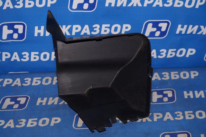 Воздуховод радиатора Renault Duster 2.0 F4RA400 2013 правый (б/у)