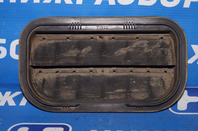 Решетка вентиляционная Ford Focus 2 1.6 (HXDA) 2005 задняя правая (б/у)