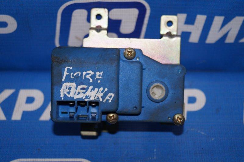 Моторчик заслонки печки Chery Fora A21 2.0 2006 (б/у)