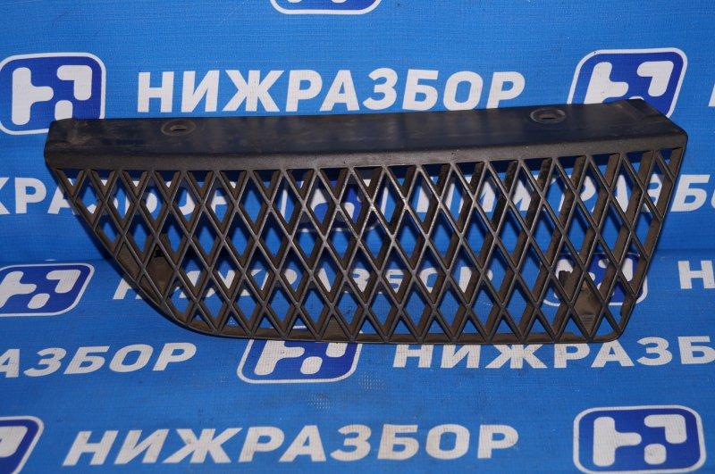 Решетка радиатора Mitsubishi Lancer 9 правая (б/у)