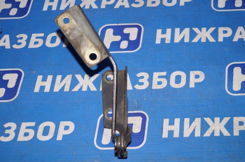 Петля капота Ford Focus 1 2.0 ZETEC 2002 правая (б/у)