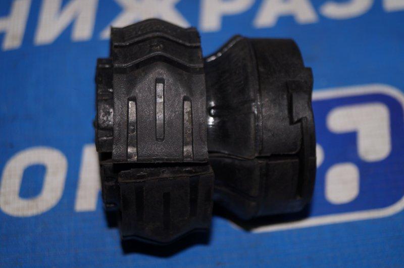 Втулка (с/блок) переднего стабилизатора Volkswagen Touareg 7L 2002 (б/у)