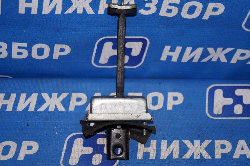 Ограничитель двери Ford Focus 2 1.8 (QQDB) 2007 передний правый (б/у)