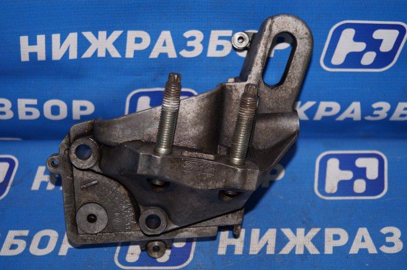 Кронштейн двигателя Ford Focus 2 1.6 (HXDB) 2007 правый (б/у)