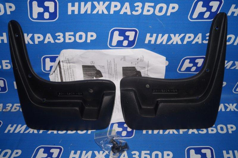 Брызговик (к-кт) Chevrolet Aveo T300 передний
