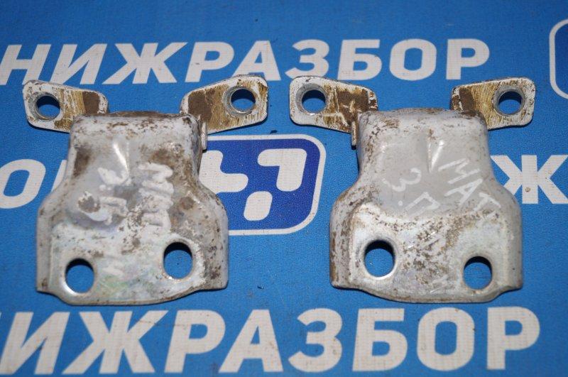 Петля двери Daewoo Matiz задняя правая (б/у)