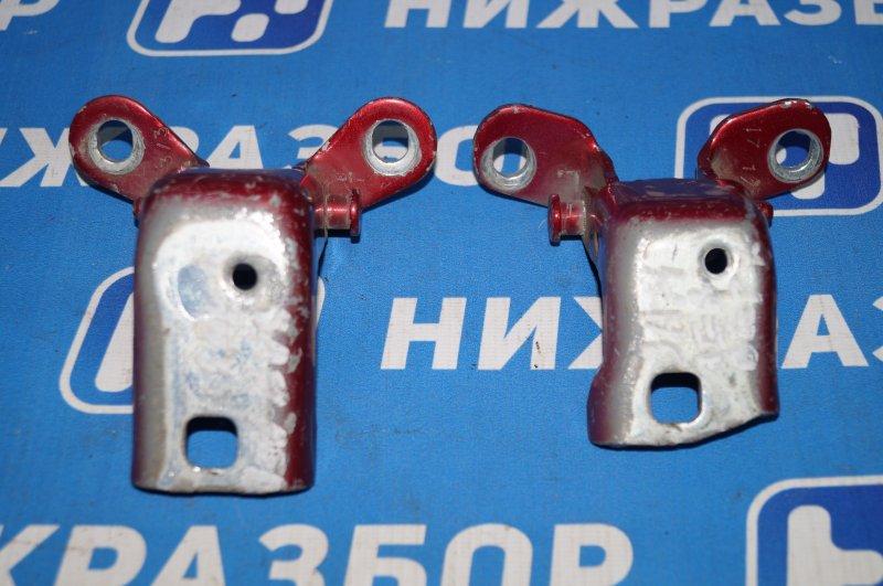 Петля двери Ford Maverick 2.3 GZ 5KA задняя левая (б/у)