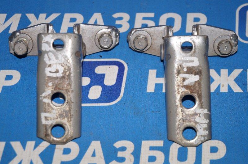 Петля двери Mitsubishi Lancer 9 CS передняя левая (б/у)